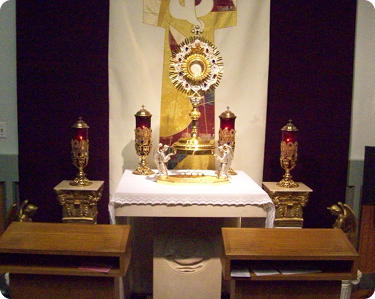 Picture of Immaculate Heart of Mary Chapel altar and monstrance